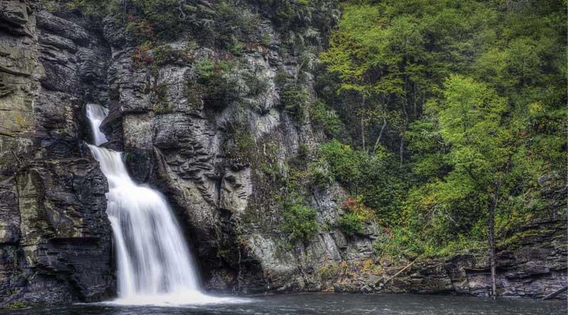 North Carolina Hiking Trails with Waterfalls