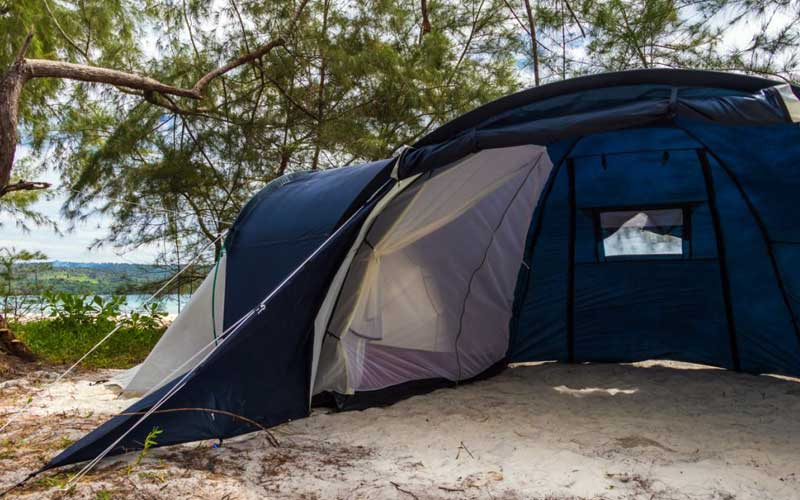 How to Choose a 6-Person Camping Tent?