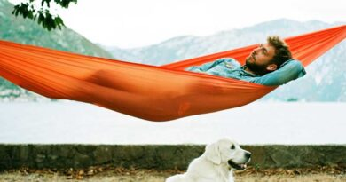 How to Sleep Comfortably in a Hammock?
